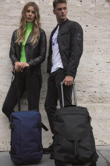 Taška na koleèkách s výsuvnou rukojetí - støední velikost